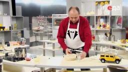 Как убрать семена из огурца при приготовлении салата мастер-класс от шеф-повара / Илья Лазерсон