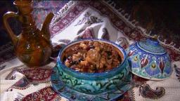 Ханкишиев Сталик: курица с сухофруктами и орехами - Видео рецепт