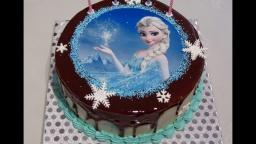 Светлана кесслер Оформление торта БМК ,зеркальной глазурью и сахарной картинкой.