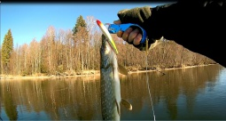 Зимний спиннинг - ловля на воблеры в феврале | Простая рыбалка