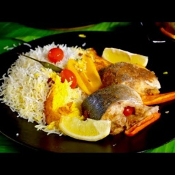 Сталик - Пряная рыба в банановых листьях с рисом на гриле