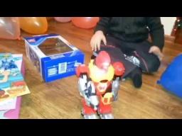 VLOG:День рождения Макса/ Новый робот/Торт Angry birds/Поздравления и подарки