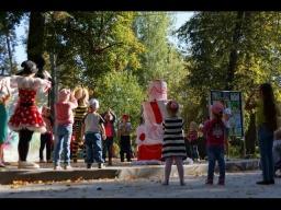 """Торт-сюрприз на дне рождения парка КиО. Праздничное агентство """"КОЛИБРИ"""", детский праздник г.Выкса"""