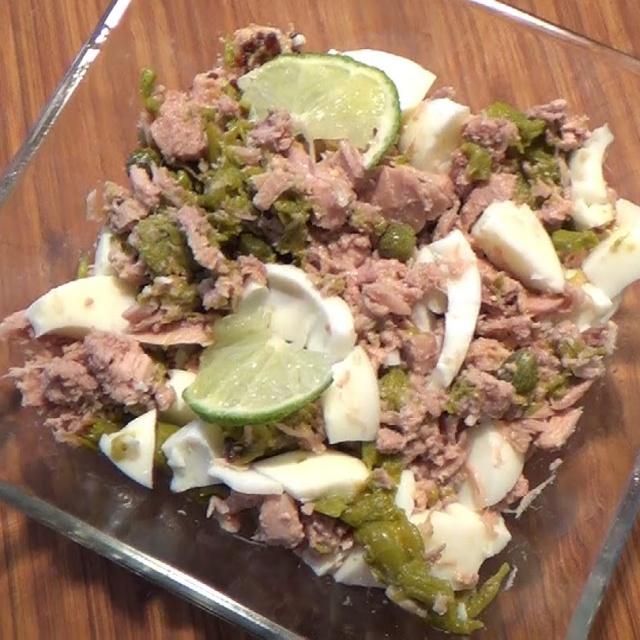 Диетический салат с тунцом по Дюкану - Рецепт видео