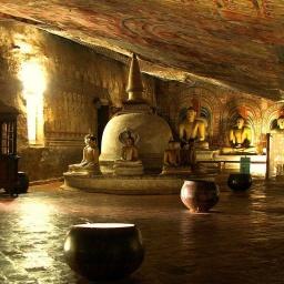 Шри Ланка: Золотой храм Дамбулла: Пещерный храмовый комплекс