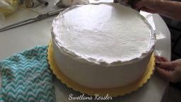 Светлана кесслер Выравнивание торта белково-заварным кремом.