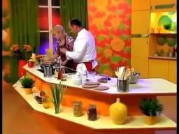 Соус орехово-чесночный к отварной курице и индейке рецепт от шеф-повара / Илья Лазерсон