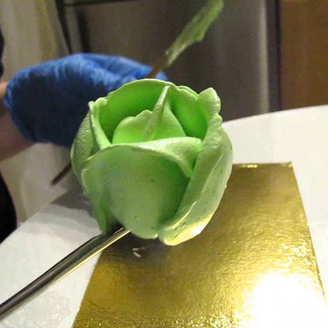 Мастер класс украшение тортов кремом. Кремовые розы.