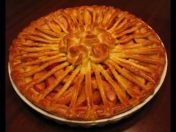 Дрожжевой пирог с яблоками | Рецепт от Ирины Хлебниковой
