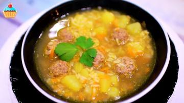 Рисовый суп с фрикадельками на скорую руку по рецепту Семейной кухни