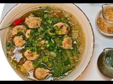 Фрикадельки из свинины по-тайски / рецепт от шеф-повара / Илья Лазерсон / Мировой повар