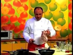 Тушеная курица в помидорно-луковом соусе | Рецепт Ильи Лазерсона