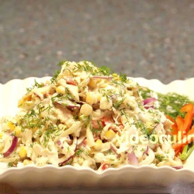 Салат с курицей и кальмарами видео рецепт от Бабушки Эммы
