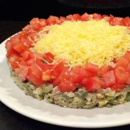 Вкусный и Быстрый салат из рыбных консервов за минуты