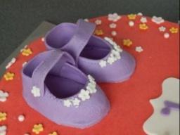 детские сандалики из мастики .
