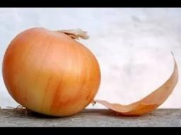 Как быстро почистить лук мастер-класс от шеф-повара /  Илья Лазерсон / Обед безбрачия