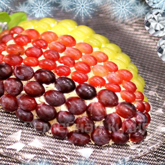 """Новогодний салат """"Виноградная гроздь"""" видео рецепт"""