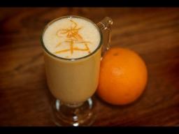 Юлия Высоцкая — Молочный коктейль с персиками и апельсинами