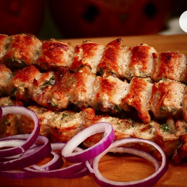 Сочный шашлык из свинины | Видео рецепт